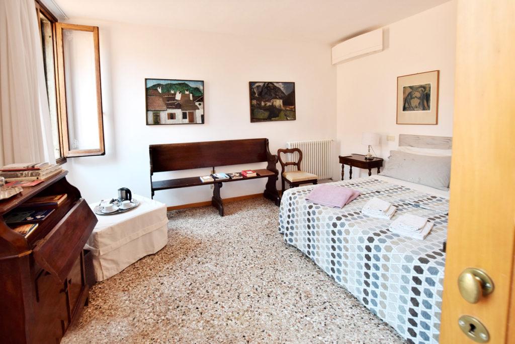 the house la casa, bed & breakfast